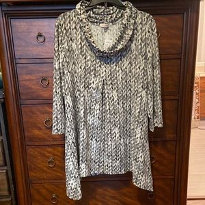 Roz & Ali Shimmer Shirt. NWT. Plus Size in 2X